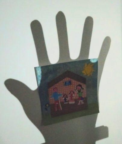 Lydie-sa main sur ma maison2